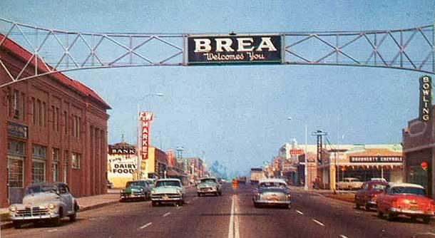Postcard Brea, CA in the 1950s